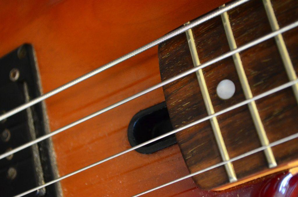guitar, bass, musical instrument-269222.jpg